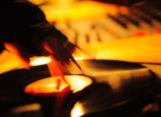 DJ School: Навыки диджея, часть 4: Скретчинг 2