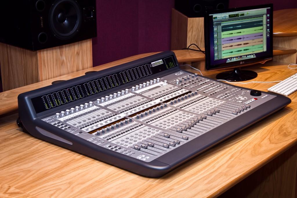 Photo: Студия звукозаписи в Morley College, London 2