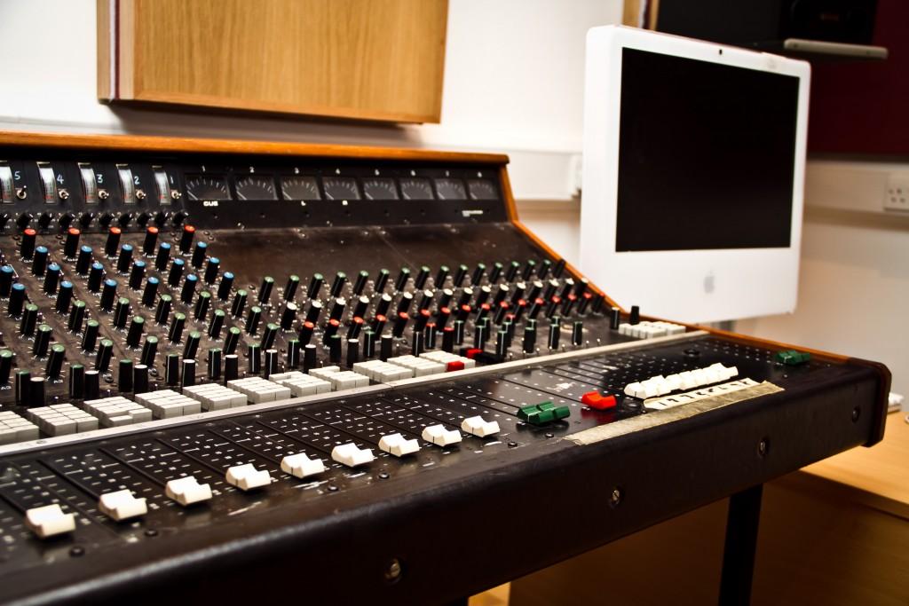 Photo: Студия звукозаписи в Morley College, London 12