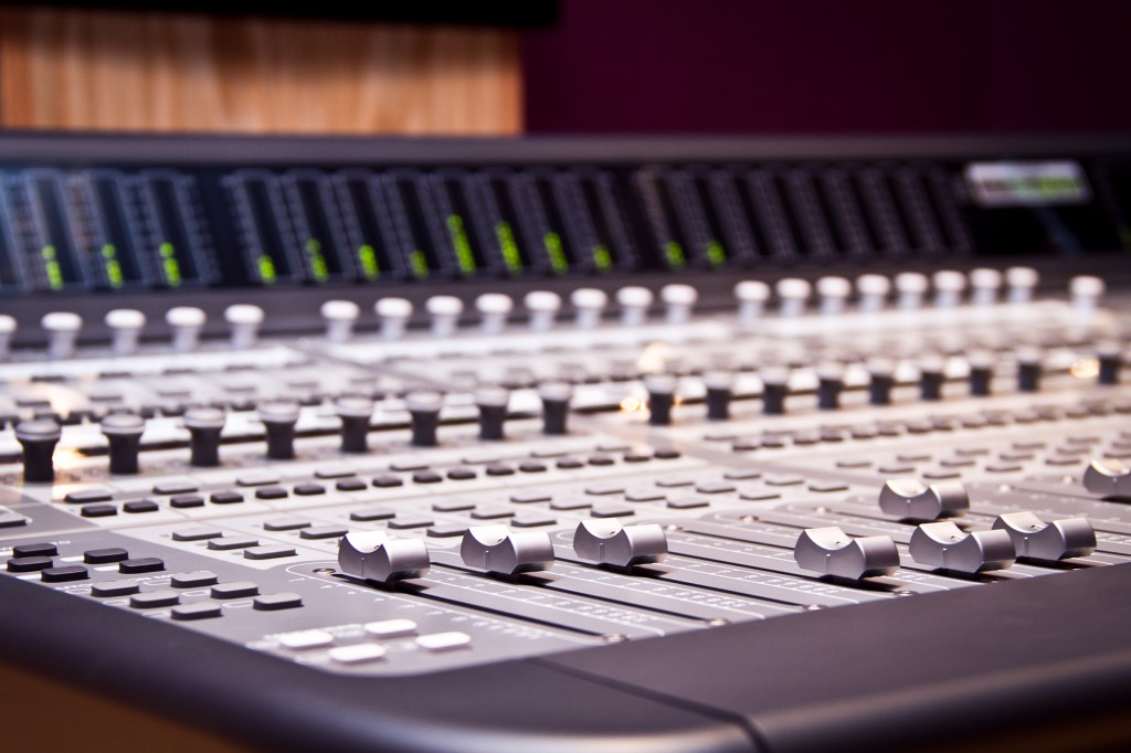 Photo: Студия звукозаписи в Morley College, London 19