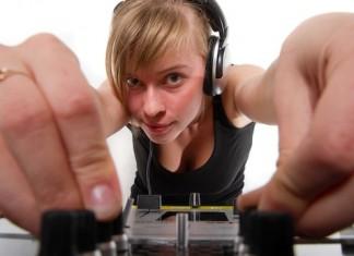 DJ School: Как получить работу диджея в клубе?