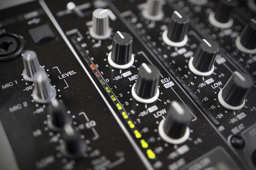 DJ School: Как пользоваться 3−хполосным эквалайзером 1